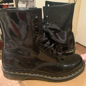 Black womens Dr Martens size 9 wore once